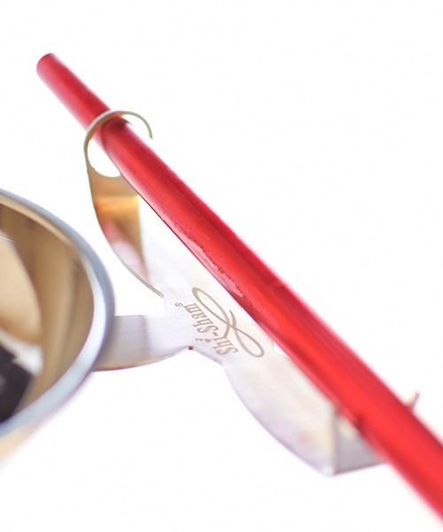 Shisham Exclusive Slanghouder. Grote Slanghouder. Het gedeelte waar de slang op komt te liggen is 17,5 cm lang. De afstand van schacht tot houder is 18 cm. De diameter van het gedeelte dat op de schacht geplaatst moet worden is 16mm. De slanghouder is gem